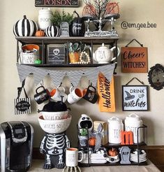 Classy Halloween party decoration Who wouldn't imagine this time? Ha… Classy Halloween party decoration Who wouldn't imagine this time? Classy Halloween, Halloween Make, Halloween Season, Halloween House, Holidays Halloween, Halloween Treats, Halloween Pumpkins, Halloween 2019, Halloween Kitchen Decor