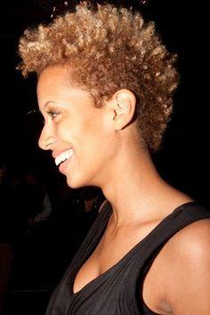 Natural hair. Twa. Curls. Tapered