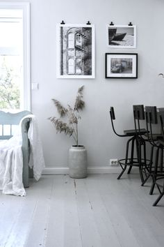 Dining area☕️🌾 @interior_by_mariarasmussen Norwegian House, Own Home, Dining Area, Gallery Wall, Home And Garden, Interior, Home Decor, Decoration Home, Room Decor
