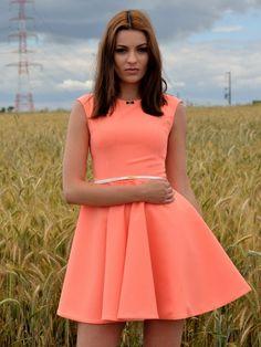 Elegancka Sukienka z Koła Pomarańcz http://besima.pl