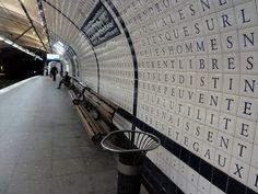 concorde station, paris