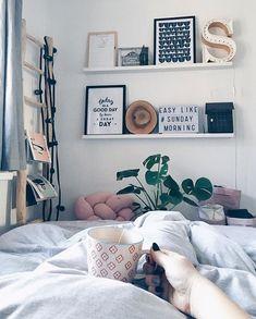 Good Morning Lovely People! // ☕️ Let's start a new, beautiful, sunny day. Dzień dobry! Jak się dziś macie? Ja dopijam herbatę i lecę na spacer. Pięknie dziś! :)