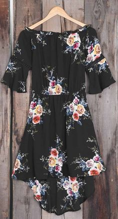 Staying comfy and casual is a must! Our Never Doubt Flowers Off Shoulder Dress is definitely a piece you will love to wear when your out and about. Comes in a black printing tone of your choice.