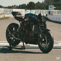Untitled Ducati Cafe Racer, Cafe Racers, Love Machine, Ducati Motorcycles, Cafe Style, Street Tracker, Hand Shapes, Dark Art, Metal Working