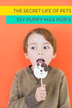"Step by Step Recipe for DIY Max ""Puppy Pops"" // Family Movie Night Ideas for The Secret Life of Pets now on Blu-ray and DVD // ArmelleBlog.com #TheSecretLifeofPets #Ad #DIY #MovieNight"