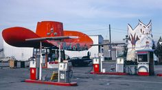 Extraordinary Gas Stations From John Margolies' Archive of Americana Architecture - Flashbak Texaco, Gas Pumps, Advertising Signs, Library Of Congress, Gas Station, Old Trucks, 3 D, Restoration, Architecture