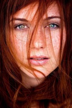 Фотография Beautiful Freckles, Beautiful Red Hair, Gorgeous Redhead, Beautiful Eyes, Red Freckles, Redheads Freckles, Foto Face, Fotografie Portraits, Red Hair Woman
