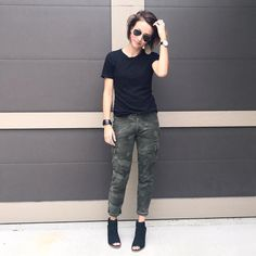 Cute Camping Outfits Fall Camo Pants Ideas For 2019 Camo Fashion, Look Fashion, Fashion Outfits, Camouflage Fashion, Fashion 2018, Fashion Fashion, Korean Fashion, Fashion Tips, Mode Outfits