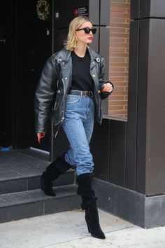 Hailey Bieber steps out in an edgy black leather jacket paired with straight leg jeans, belted . Fashion Idol, Daily Fashion, Fashion Outfits, Street Style, Street Chic, New York, Hayley Bieber, Hailey Baldwin Style, Brooklyn