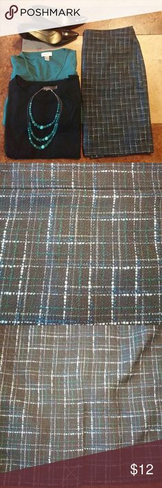 NWT LOFT Tweed Skirt Brand new with tags, tweed skirt with blue and green undertones. This is a gorgeous skirt with a zipper closure in back. Machine washable. From a smoke free, pet free home. LOFT Skirts
