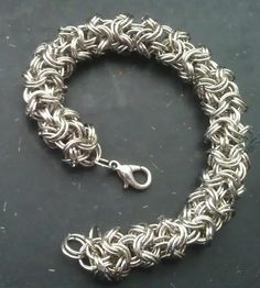"""Turkish Round """"Kinged"""" (doubled rings) Double rings is one way to get away from an airy and unstable chainmaille pattern. M.A.I.L. :: View topic - Double turkish round"""