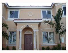 Townhouse, Miami, Garage Doors, Mansions, House Styles, Outdoor Decor, Home Decor, Decoration Home, Terraced House