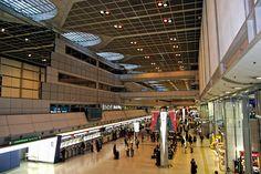 https://flic.kr/p/FVmuzB | 하네다공항에서 : in Haneda Airport 2 | 하네다는 의외로 돌아볼 곳이 있어서 재미있습니다. 공항 카운터부터 전체 쇼핑시스템이 화려하게 변화하는 것도 재미있지요.