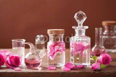 alquimia e Conjunto de aromaterapia com flores rosa e Frascos