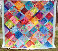 Queen King Quilt Kaffe Fassett Patchwork Bold an Beautiful Design Iris, Watercolor Quilt, Red And Teal, Colorful Quilts, Bargello, Striped Fabrics, Queen, Machine Quilting, Quilt Making