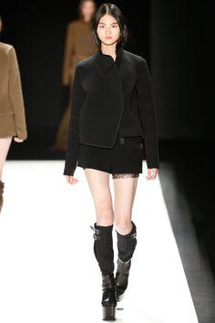 Vera Wang Fall 2016 Ready-to-Wear - Look 22 of 41
