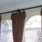 Drape above the eyebrow, blind on lower part of window only