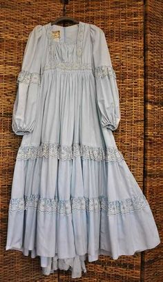 **What is Mori Kei?** Mori Kei translates to forest girl, it originates from Japan, and is a very fairy-esque way of dressing. Vintage Outfits, Vintage Dresses, Vintage Fashion, Pretty Outfits, Pretty Dresses, Beautiful Outfits, Awesome Dresses, Stylish Dresses, Fashion Dresses