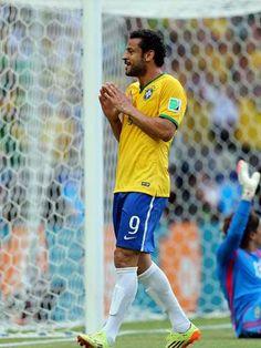 Pouco inspirado, Brasil para em goleiro e empata com México http://esportes.terra.com.br/futebol/copa-2014/pouco-inspirado-brasil-para-em-goleiro-e-empata-com-mexico,2f79f45e25ba6410VgnVCM3000009af154d0RCRD.html