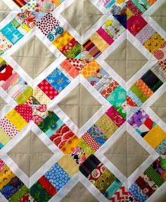 Super cute (and looks fairly easy) Scrappy Quilt. PatchworknPlay: Something had to give. Quilting Tips, Quilting Projects, Quilting Designs, Sewing Projects, Patch Quilt, Quilt Blocks, Scrappy Quilts, Easy Quilts, String Quilts