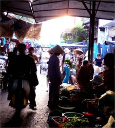 First time: morning market, Hoi An