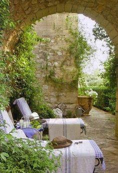 audreylovesparis:  Provence, France