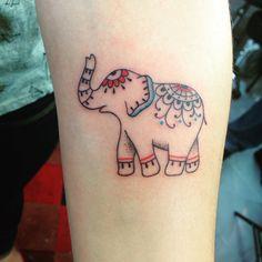 Tatuagem Elefante Indiano Com detalhes