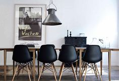 Eames diners in black! Love everything Eames! Black Eames Chair, Eames Chairs, Black Chairs, Room Chairs, Kitchen Chairs, Vitra Chair, Eames Eiffel Chair, Yellow Chairs, Panton Chair