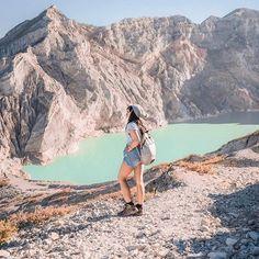 Location : Kawah Ijen, Jawa Timur Photo by : indonesia Indonesian Art, Honeymoon Destinations, Backpacking, Grand Canyon, National Parks, Tours, Ulzzang, Emerald, Landscapes