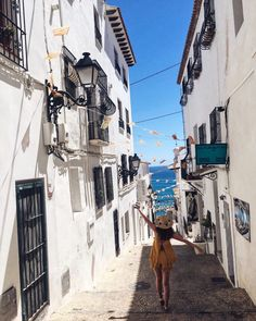 Day trips from Alicante, Spain Alicante Spain, Day Trips, Beautiful Places, Road Trip, To Go, Street View, Adventure, City, Travel