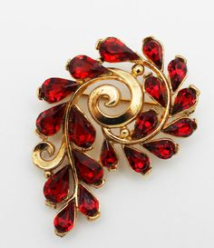 Vintage Trifari Signed Ruby Red and Gold Brooch