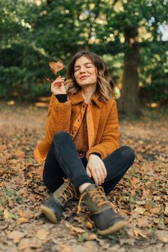jessica whitaker fall in central park Cute Fall Pictures, Poses For Pictures, Fall Photos, Beautiful Pictures, Girl Photo Poses, Girl Photography Poses, Autumn Photography, Autumn Instagram, Instagram Pose
