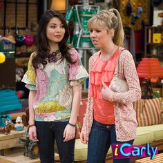 Miranda Cosgrove Icarly, Epic Kids, Kids Tv, Nickelodeon Shows 2000, Icarly Cast, Jeannette Mccurdy, Teen Series, Young Celebrities, Celebs