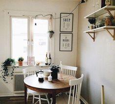 Stunning Small Dining Room Decoration Ideas 05