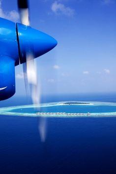 blue skies, blue water..... take me away