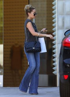 Lauren Conrad, LC, love her and her style. Casual and cute for a day out and about Lauren Conrad, LC Casual Outfits, Summer Outfits, Cute Outfits, Casual Chic, Comfy Casual, Look Fashion, Autumn Fashion, Lauren Conrad Style, Looks Street Style