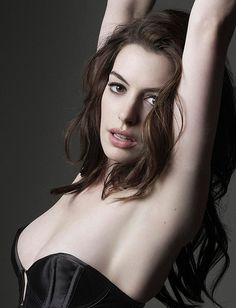 Here is Anne Hathaway Hottest unique Collection from different Hollywood Hits Movies. Anne Hathaway Fotos, Actriz Anne Hathaway, Beautiful Celebrities, Gorgeous Women, Beautiful People, Hello Beautiful, Anne Jacqueline Hathaway, Anne Hattaway, Meryl Streep
