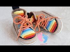 Crochet Shoes Pattern, Shoe Pattern, Baby Booties, Baby Shoes, Baby Converse, Preemie Babies, Crochet Baby, Baby Items, Mendoza