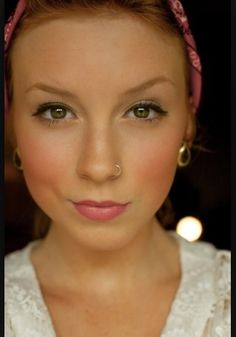 I'm liking this girl's makeup