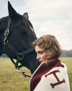 www.pegasebuzz.com | Richard Phibbs for Town & Country : Hermès Style. Horse Riding Gear, Riding Helmets, Equestrian Outfits, Equestrian Style, Country Fashion, Img Models, English Style, Horse Girl, Town And Country