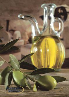 Italiaanse Olijfolie en #Olijven aan een takje.