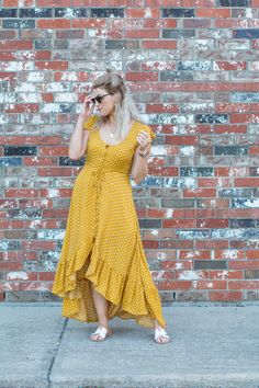 This mustard polka dot prairie dress is just the easy, breezy boho piece I needed to round of my summer wardrobe. So easy to wear! Fall Fashion Outfits, Curvy Outfits, Spring Outfits, Dress Outfits, Girl Fashion, Fashion Dresses, Plus Size Dresses, Plus Size Outfits, Cute Dresses