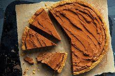 Desať nepečených čokoládových koláčov vhodných na vianočný stôl - Žena SME Beignets, Sweet Recipes, Quiche, Peanut Butter, Cheesecake, Food And Drink, Fresh, Chocolate, Meat