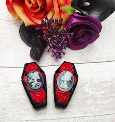 Wedding Favours, Wedding Invitations, Wedding Inspiration, Wedding Ideas, Gothic Wedding, Handmade Items, Handmade Gifts, Paper Roses, Alternative Wedding