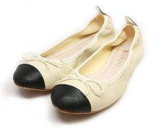 Plie Releve Flats #milkandhoneyny #boutique #shoes #flats #cream #nude #black #captoe #balletflats #restricted