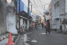 コタローさんはInstagramを利用しています:「彷徨う、壁人たち…  ・ ・ ・ #牛須賀 #ザ壁部 #パイロン萌え ・ #indies_gram #instagram #instagramjapan #igers #igersjp #ig_japan #mwjp #igworldclub #igworldclub_creative #奥行き同盟 #奥行き #ハンパないパース」
