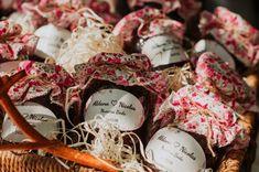 10 original wedding souvenirs: surprise your guests! Ideas Actuales, The Originals, Wedding, Invitations, Creative Memories, Casamento, Weddings, Marriage, Mariage