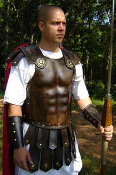 Roman Traditional Armor - worn by high ranking officers and Praetorians to appear to have traditional values. Elmo, Roman Armor, Roman Warriors, Roman Legion, Greek Warrior, Armor All, Roman Soldiers, Leather Armor, Romans