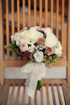 Beautiful Flowers... Style Me Pretty   Gallery