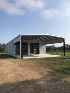 Need a residential steel or metal building in Victoria TX? Call now to have a professional welding contractor erector in the Victoria Texas area. Metal Shop Building, Steel Building Homes, Building A Garage, Building A House, Steel Garage Buildings, Metal Garages, Shop Buildings, Barn House Plans, Barn Plans
